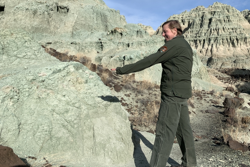 Melissa Nicolli identifies grass at John Day Fossil Beds National Monument